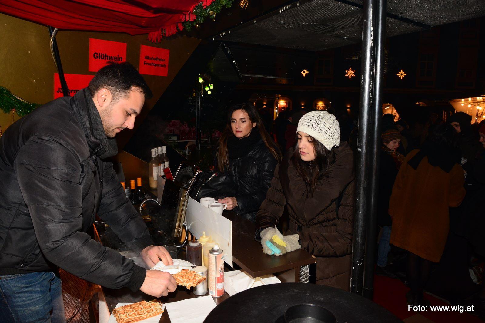 Mehlplatz: Glühwein Aktion am 27.11.2014